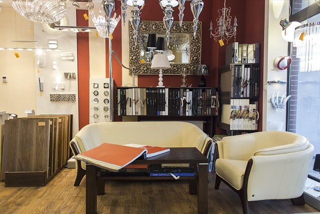 Przedstawiamy miejsce, w którym odbywają się długie romowy z klientami, między innymi o ich wymarzonych lampach